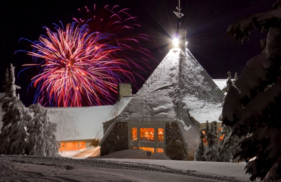 Timberline Lodge Fireworks 1/01/2011