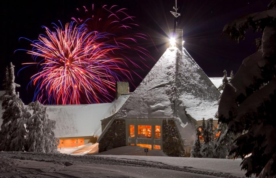 Timberline Lodge Fireworks 1/01/2011